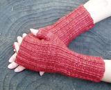 Red_ridged_mitts_thumb