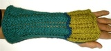 Lacy_wrist_warmer_2_thumb